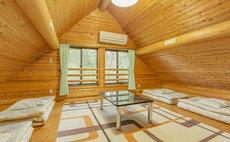 """Mori No Kominkan"" Log Cabin Guesthouse"