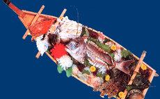 ひげおやじが作る海の創作料理 - 民宿 新栄館