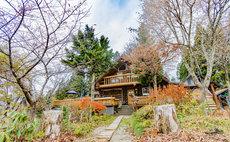 【国内最大級のログハウスの宿】木のぬくもりが感じられる「ログハウスの宿 仙人」