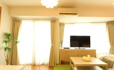 5 min walk from Kamata Sta! Easy access to Haneda.