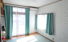 CHERRYピンクを基調にした16畳の広いお部屋