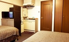 twin bed room.402