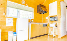 Large House Rental Country Papa Restaurant and Cot