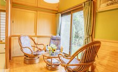 【1日一組限定・JR延岡駅からの送迎付き】茶畑の隣接する純和風の民家「しいの木」