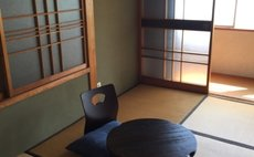 Guest House Mitsuka decorated with Japanese antique