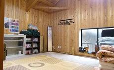 馬小屋の屋根裏をリノベーションした部屋