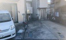小型駐車場あり!戸建の個室