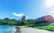 ビーチ付きのシェアハウス海